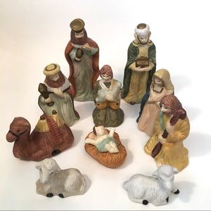 10 Pc Nativity Scene Pocelain Figurines